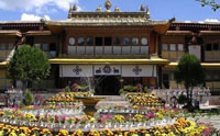 8 Days Tibet Tour Package